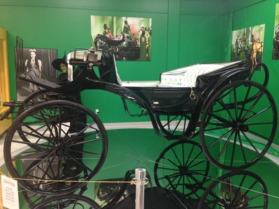 """The Original screen-used """"Horse of a Different Color"""" Carriage from """"Wizard of Oz"""" accepting offers!"""