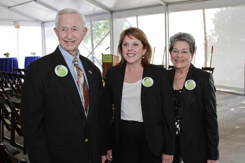 Mayor of Pearland Tom Reid, HCA Gulf Coast Division President Maura Walsh and Mayor of Manvel Delores Martin ...