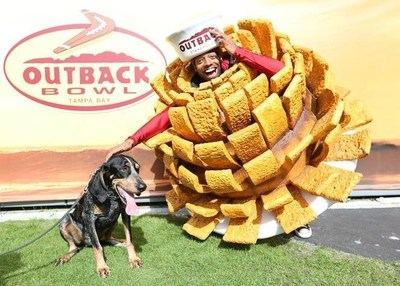 Bloomin' Onion Man and Tennessee Volunteers Mascot Smokey celebrate the Vols' 2016 Outback Bowl win and free Bloomin' Onions nationwide at Outback Steakouse on Jan. 2.