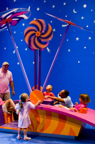 Hands-On Family Fun Abounds In Philly This Summer & Beyond