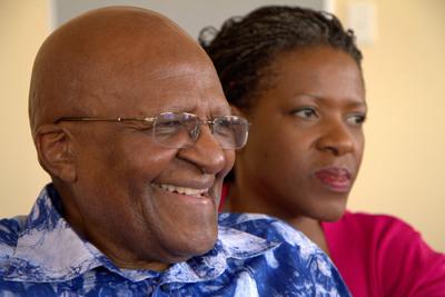 Archbishop Desmond Tutu with his daughter and co-author Reverend Mpho Tutu. (PRNewsFoto/HarperCollins Publishers) (PRNewsFoto/HARPERCOLLINS PUBLISHERS)