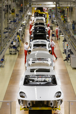 Production start-up for Porsche Macan. (PRNewsFoto/Porsche Cars North America, Inc.) (PRNewsFoto/PORSCHE CARS NORTH AMERICA, INC.)