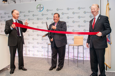 The honorable Chris Christie, Governor, State of New Jersey joins President of Bayer HealthCare Phil Blake, and  Marijn Dekkers, Chairman, Bayer AG Group, Board of Management at the ribbon cutting ceremony for the grand opening of the new Bayer HealthCare U.S. headquarters in Whippany, N.J.   (PRNewsFoto/Bayer HealthCare)