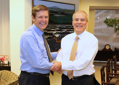 Scotiabank's CEO Rick Waugh (L) and President Brian Porter (R) announce November 1, 2013 as date of ...