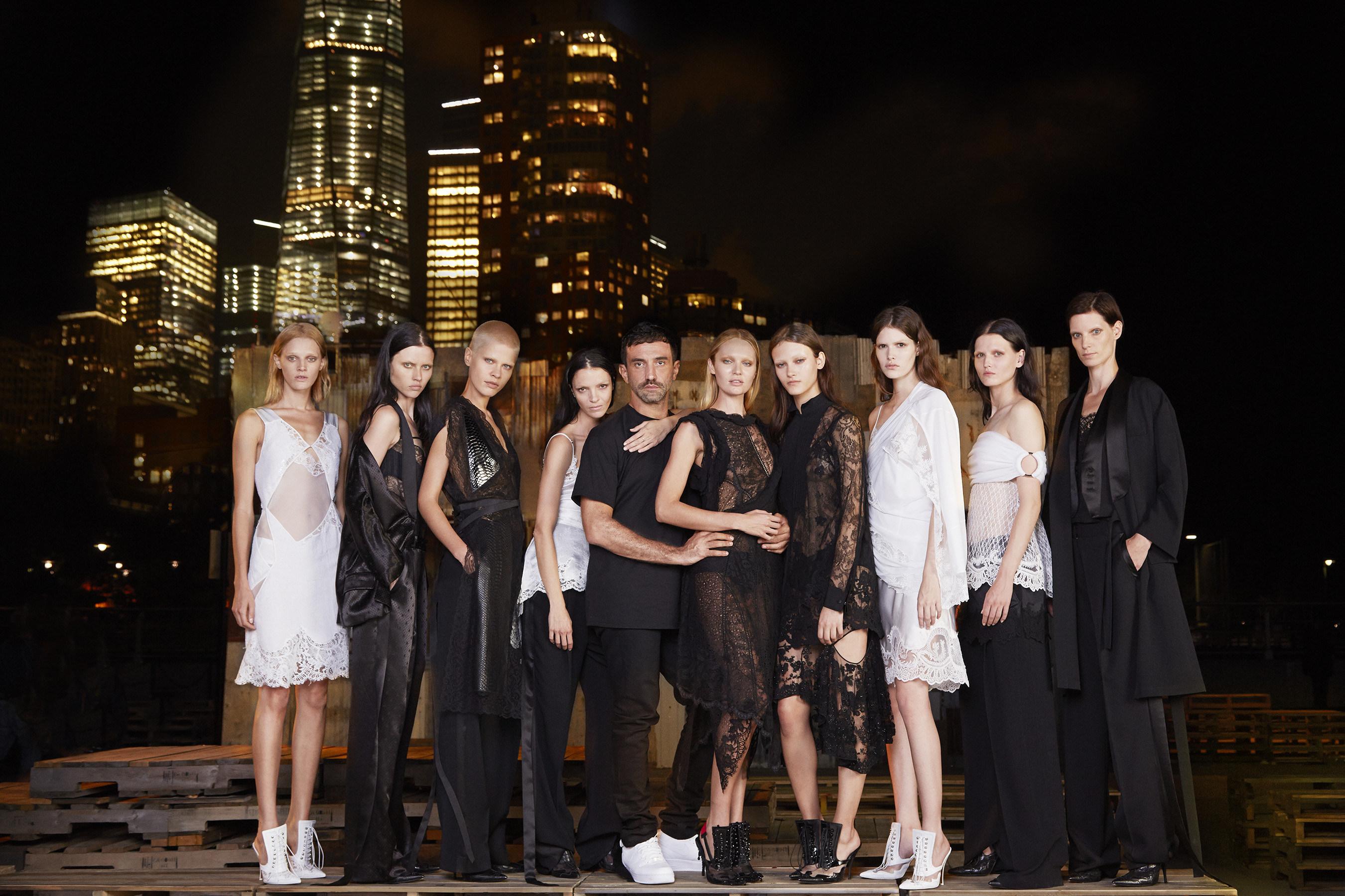 Givenchy par Riccardo Tisci presenta su colección primavera-verano 2016 en Nueva York