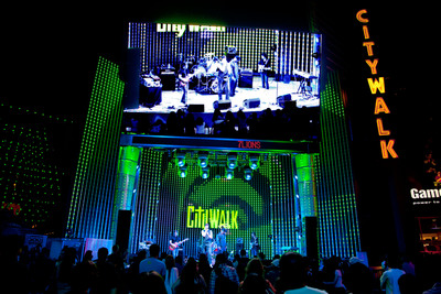 L.A.'s Accomplished Street Performers and Talented Emerging Artists Take Center Stage at '5 Towers' as Universal CityWalk Kicks Off Its Free Spring 'Music Spotlight Series' on Weekends, March 22 to April 20, 2013.  (PRNewsFoto/Universal CityWalk)