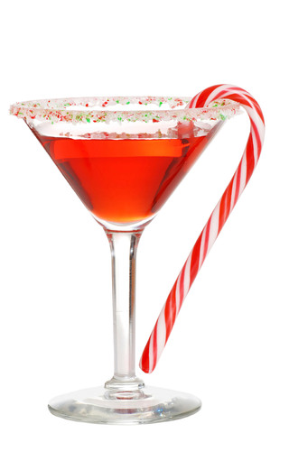 Cheers to the holiday season with a low-calorie Cascade Ice Mrs. Claus-mopolitan coctkail!.  (PRNewsFoto/Unique  ...