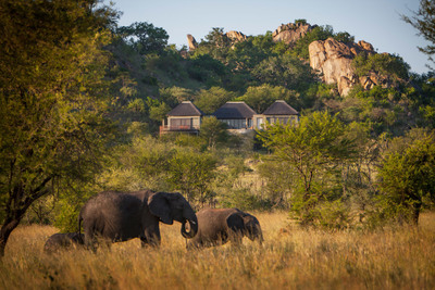 Four Seasons Safari Lodge Serengeti opens the Discovery Centre, part museum exhibit and part lecture theatre. (PRNewsFoto/Four Seasons Hotels and Resorts) (PRNewsFoto/FOUR SEASONS HOTELS AND RESORTS)