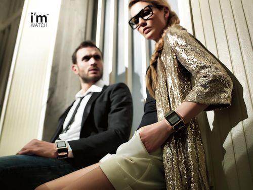 Smartwatch-Pioneer i'm Watch erobert die Baselworld 2013 mit der Uhr der Zukunft 2.0