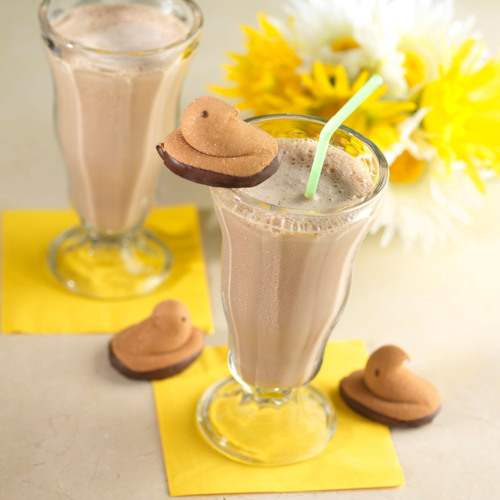 PEEPS(R) Marshmallow Brand Candies welcome spring with delicious PEEPS(R) Toasted Marshmallow Milkshake.  (PRNewsFoto/Just Born, Inc.)