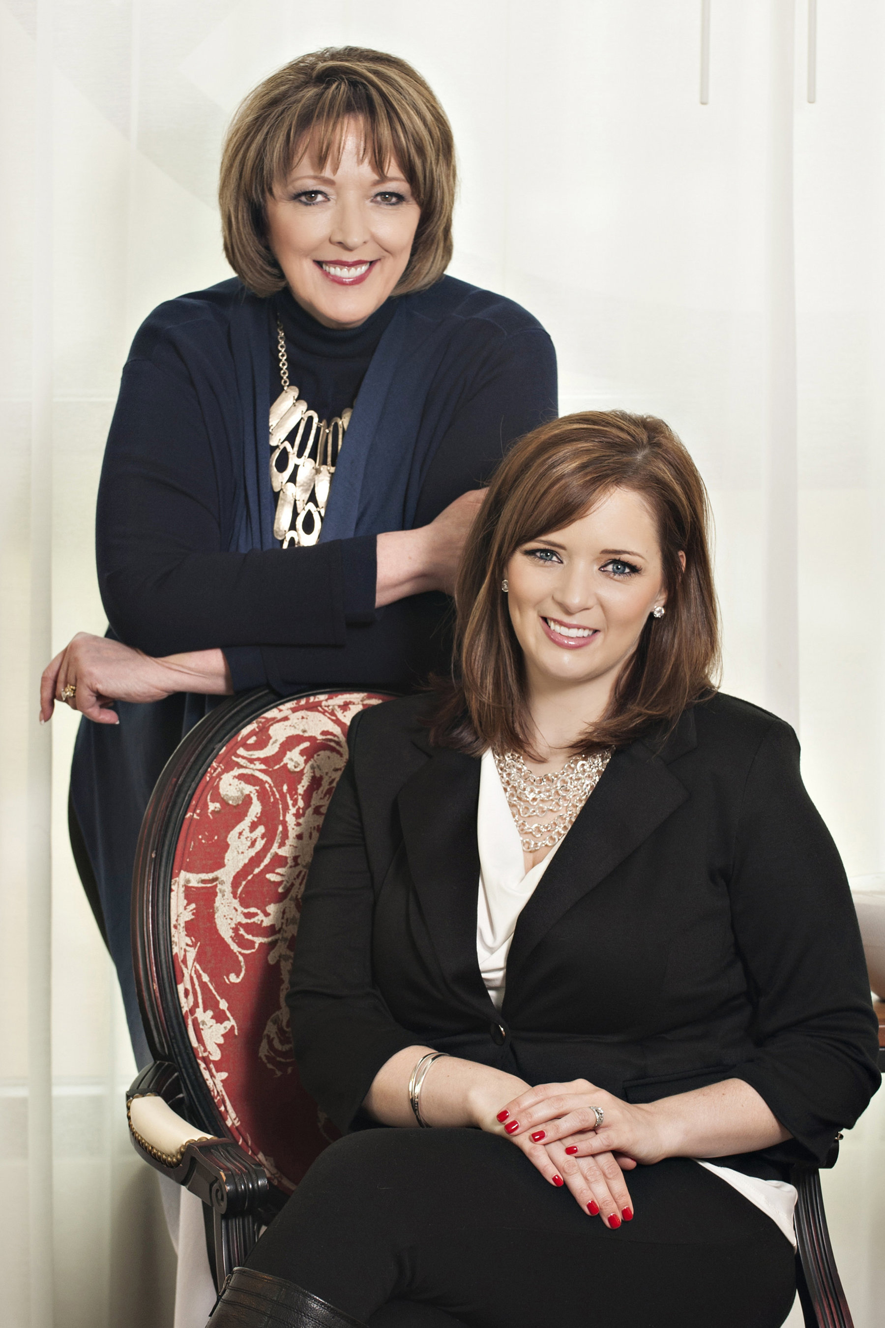 Gail Doby (standing) and Erin Weir (sitting) (PRNewsFoto/Design Success University)