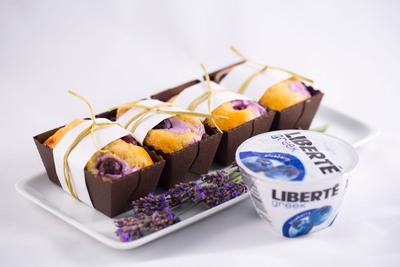 Blueberry-Lavendar Pound Cake created by Chef Megan Ketover, Pastry Chef at Hilton Cincinnati's Orchids at Palm Court.  (PRNewsFoto/Liberte)