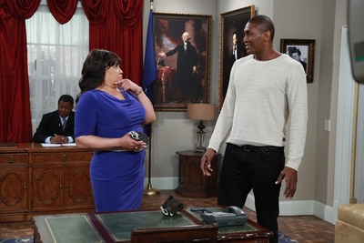 NBA star Metta World Peace (seen here with Jackee) guest stars on the sitcom THE FIRST FAMILY Friday July 12 at 8P/7C on Centric, a BET network.  (PRNewsFoto/Entertainment Studios)