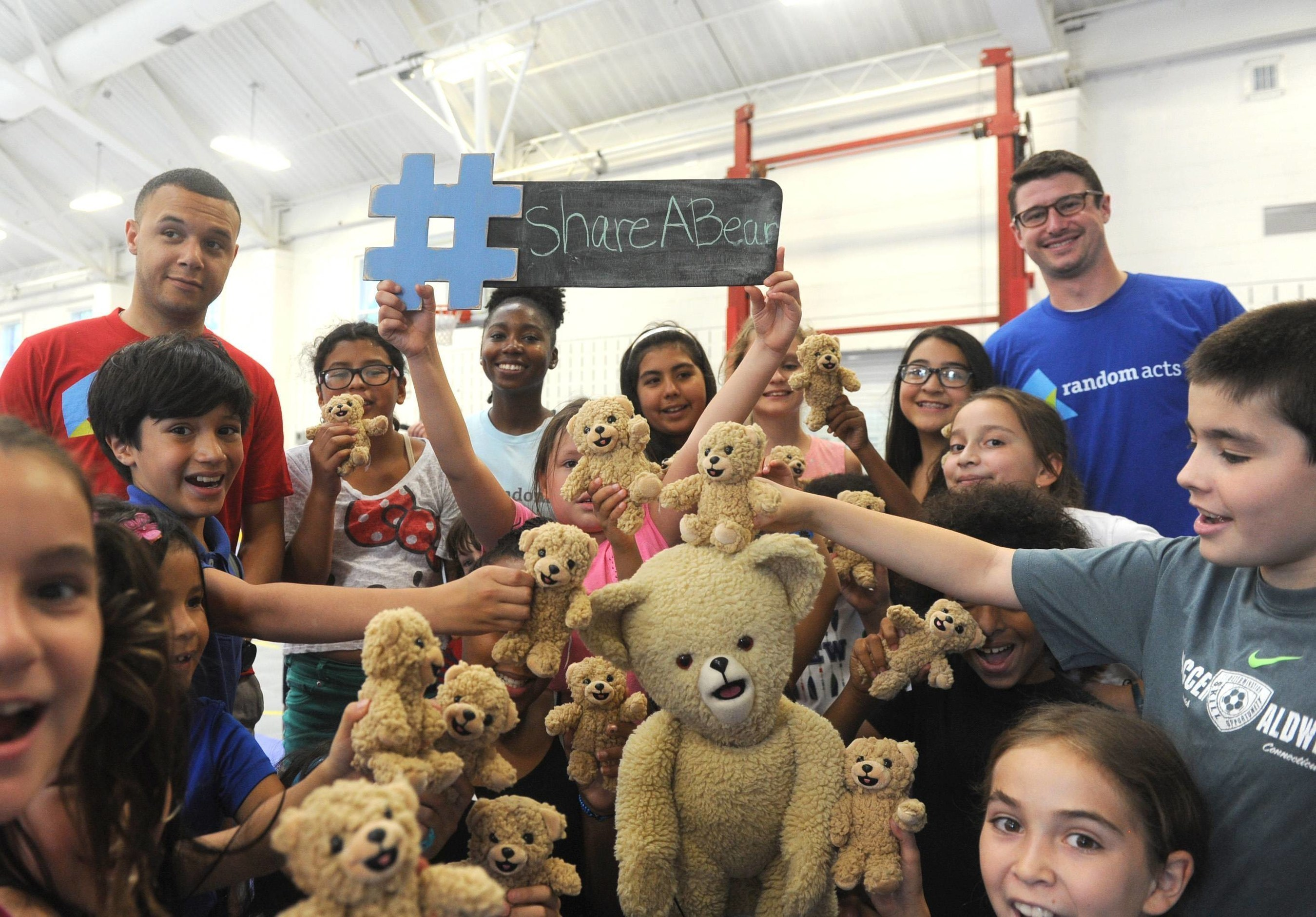 As part of the Snuggle #ShareABear campaign and to celebrate National Teddy Bear Day (Sept. 9), Snuggle Bear with Random Acts, a non-profit organization, will be giving 5,000 teddy bears to kids in need.