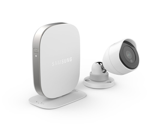 Samsung Unveils the SmartCam HD Outdoor WiFi IP Security Camera at CES 2014. (PRNewsFoto/Samsung Techwin ...