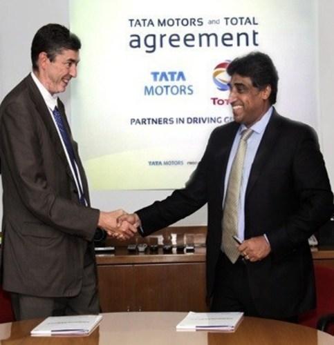 Mr Phillipe Charleux, Vice President Total Lubrifiants, France and Mr. Ganesh Shetty Head - Customer Care International Business, Tata Motors (PRNewsFoto/Tata Motors and Total Lubrifiant) (PRNewsFoto/Tata Motors and Total Lubrifiant)