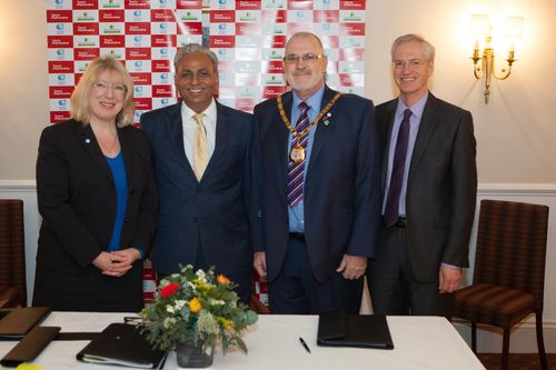 Tech Mahindra to help make Milton Keynes a smart city. In the picture L to R : Carole Mills, Chief Executive, Milton Keynes Council, CP Gurnani, MD & CEO, Tech Mahindra, Derek Eastman, Mayor of Milton Keynes and Pro Vice-Chancellor for Research at The Open University, Professor Tim Blackman (PRNewsFoto/Tech Mahindra Ltd)