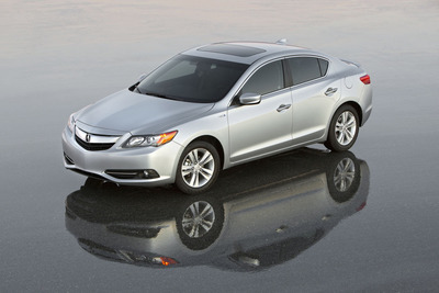 Acura ILX Wins 2013 Motorists Choice Awards from IntelliChoice and AutoPacific.  (PRNewsFoto/Acura)