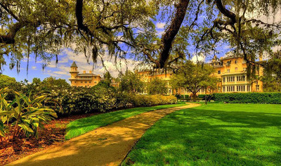 The Coolest Time To Visit The Jekyll Island Club Hotel. Book your Fall Getaway today for a perfect Jekyll Island adventure!  (PRNewsFoto/Jekyll Island Club Hotel)