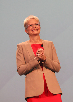 Sodexo Executive Lorna Donatone Elected as Chair of the Women's Foodservice Forum Board of Directors