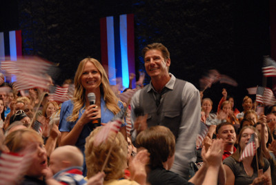 """Ty Pennington and Jewel co-host Extreme Makeover: Home Edition """"Rise and Honor"""" A Veterans Day Special airing 11/11/11 www.riseandhonor.org.  (PRNewsFoto/Entertainment Industry Foundation)"""