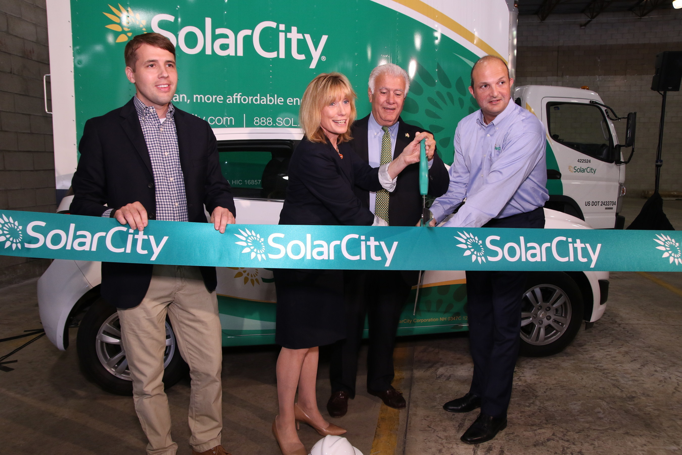 Governor Hassan on Hand to Celebrate SolarCity's First New Hampshire Operations Center