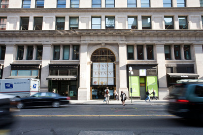 Eataly Chicago targeted to open in 2013.  (PRNewsFoto/Macerich, Virginia Rollison Photography)