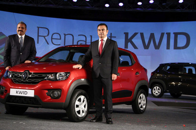 Carlos Ghosn, Chairman & CEO, Groupe Renault & Sumit Sawhney, CEO Renault India. (PRNewsFoto/Renault) (PRNewsFoto/Renault)