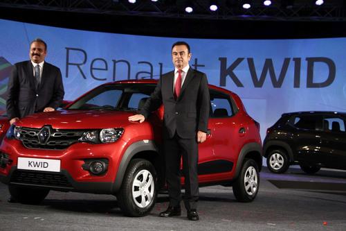Carlos Ghosn, Chairman & CEO, Groupe Renault & Sumit Sawhney, CEO Renault India. (PRNewsFoto/Renault) (PRNewsFoto/Renault)