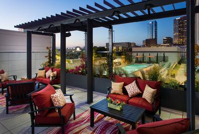 Courtyard and Residence Inn L.A. LIVE Terrace (PRNewsFoto/Marriott International, Inc.)