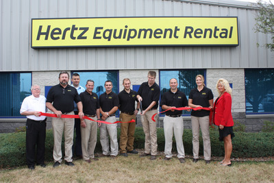 Hertz Equipment Rental officially opens its new facility in Cedar Rapids, Iowa to serve the industrial, heavy construction and do-it-yourself markets in the Eastern Iowa Corridor.  (PRNewsFoto/The Hertz Corporation)