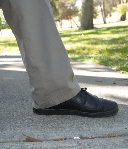 The Out of Sight Case is easily hidden under a person's pants.(PRNewsFoto/Out of Sight Cases)