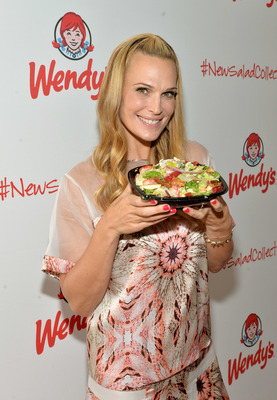 Actress and Style Icon Molly Sims hosted a private garden rooftop event at 620 Loft & Garden in the heart of Rockefeller Center to celebrate the first tastes of summer in Wendy's' new Strawberry Fields Chicken Salad. As part of Wendy's #NewSaladCollection style board contest, Sims, who has served as judge, showed guests how to create the perfect summertime outfit using the seasonal salad as inspiration and encouraged fashionistas to share their salad-inspired look. (Photo by Larry Busacca /Getty Images for Wendy's) (PRNewsFoto/The Wendy's Company)