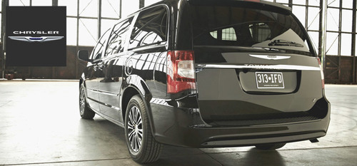 Families and large groups take advantage of the spacious 2014 Chrysler Town and Country. (PRNewsFoto/S&L Motors)
