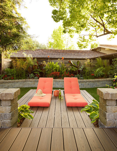 "Trex Company partnered with Sunset magazine on an ""Ultimate Outdoor Living Room"" featured at the 15th Annual Sunset Celebration Weekend in Menlo Park, Calif.  Trex Transcend decking was used in a variety of dramatic and surprising ways - including built-in chaise lounges.  (PRNewsFoto/Trex Company)"