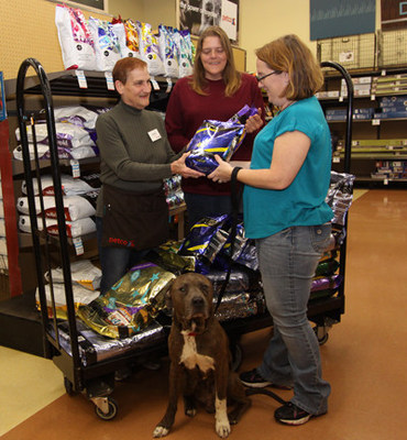 SOLID GOLD PET TEAMS WITH PETCO TO DONATE AN ESTIMATED $500,000 OF PREMIUM PET FOOD TO LOCAL CHARITIES NATIONWIDE.
