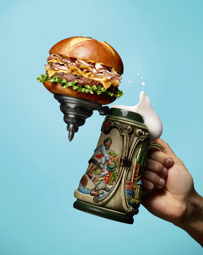 This season, Red Robin fans will raise their steins in approval with the return of a fall favorite -- the ...