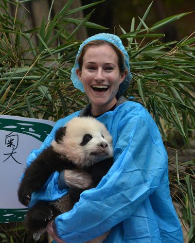 Coup d'envoi de la finale du Chengdu Pambassador avec le baptême du « panda olympique »