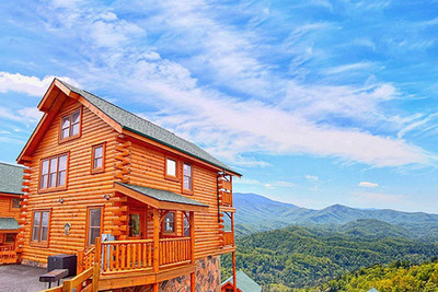 Cabins of the Smoky Mountains in Gatlinburg, TN.  (PRNewsFoto/Cabins of the Smoky Mountains)