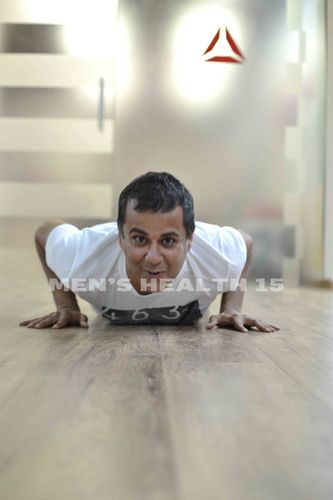 Best-selling author Chetan Bhagat takes on a fitness challenge (PRNewsFoto/India Today Group (Digital))