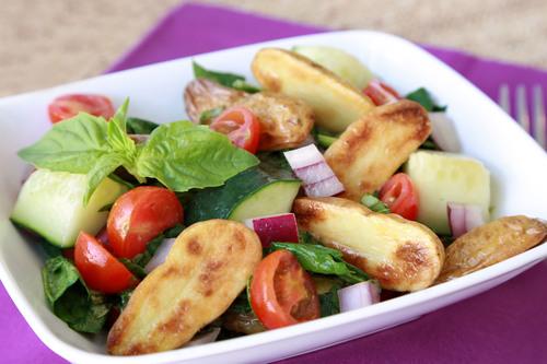 Potato'zanella Salad from Hungry Girl and the US Potato Board.  (PRNewsFoto/United States Potato Board)