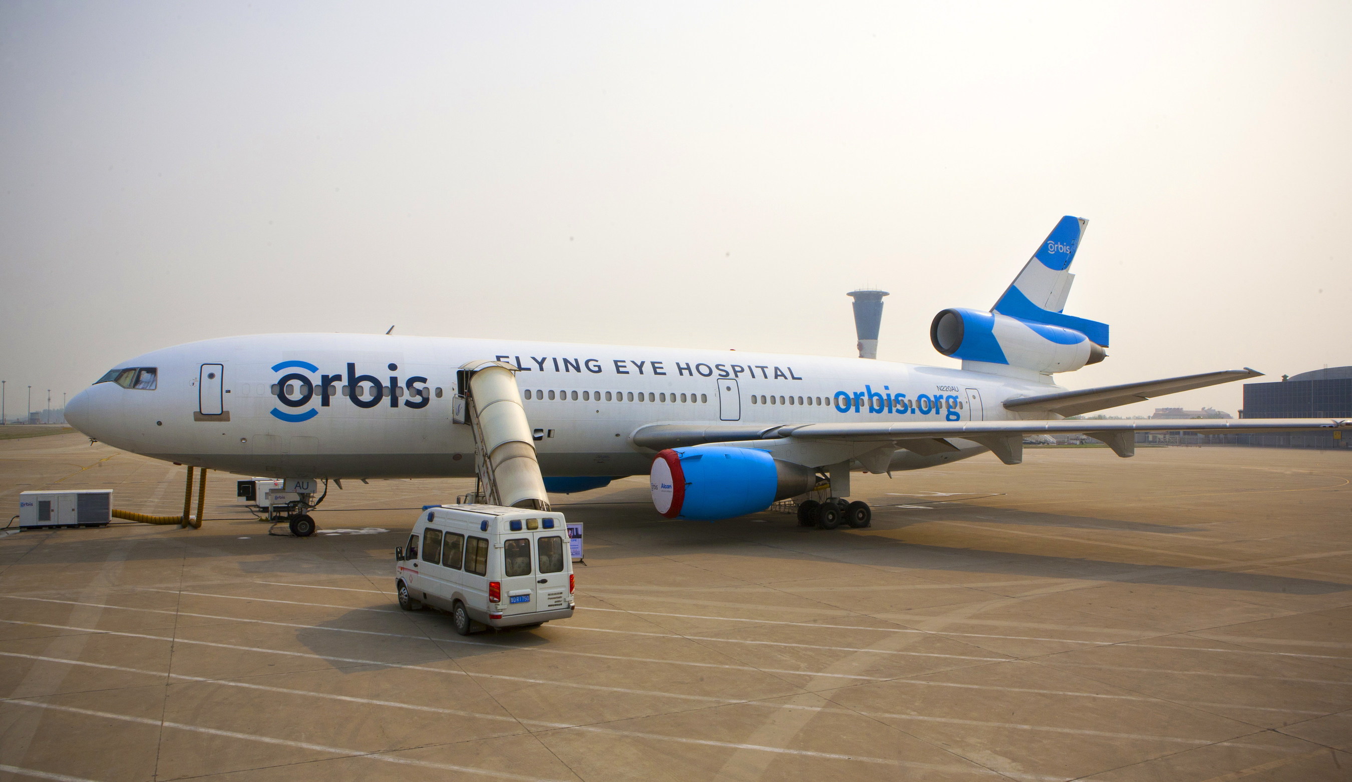 Orbis operates the Flying Eye Hospital (FEH), a fully equipped mobile teaching hospital. On the outside, the plane is like most other aircraft. Inside, it's like no other-it hosts an ophthalmic hospital and teaching facility right on board. Learn more: orbis.org (photo: Geoff Bugbee/Orbis).
