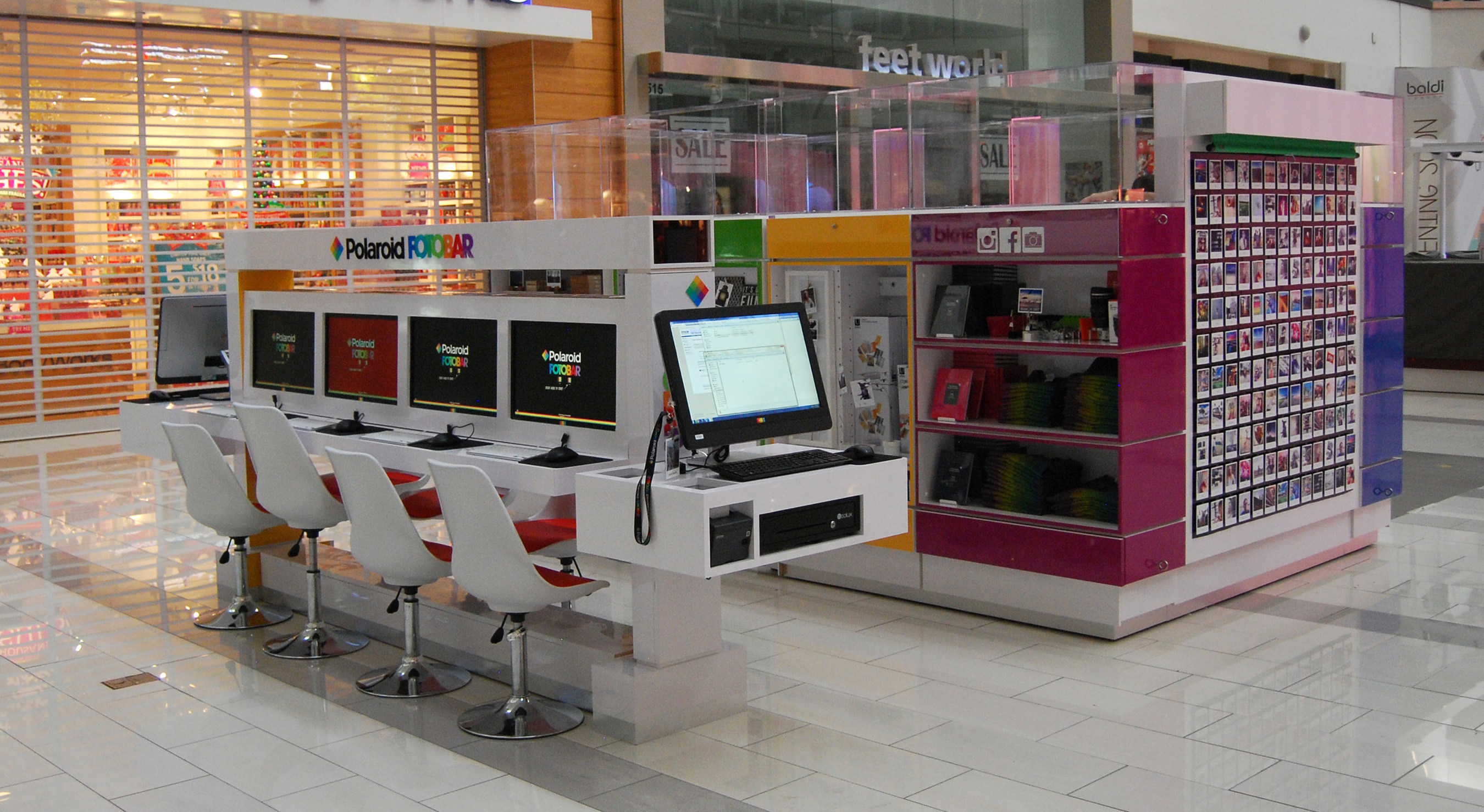 Polaroid Fotobar Brings Digital Photos To Life With Grand Opening Of Three Micro Retail Stores In Los Angeles