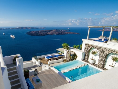 The stunning Iconic Santorini blends timeless Greek charm with today's finest amenities. (PRNewsFoto/Hospitality America)