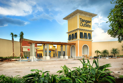 Tanger and Simon to Celebrate Grand Opening of Tanger Outlets in Texas City on Friday, October 19th.  (PRNewsFoto/Tanger Factory Outlet Centers, Inc.)
