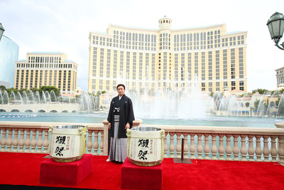 Famed Kabuki star Ichikawa Somegoro in front of the iconic Bellagio fountains following announcement of Japan KABUKI Festival in Las Vegas, in collaboration between Shochiku and MGM Resorts International.