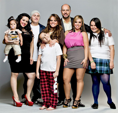 "Jenni Rivera and family from ""I Love Jenni"". (PRNewsFoto/mun2, Robson Muzel)"