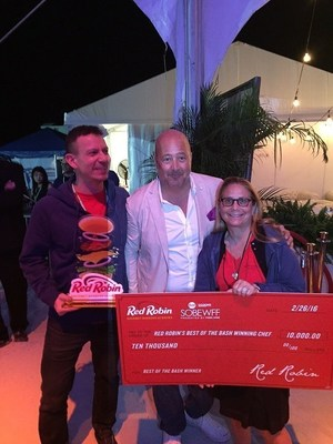 Kathy Sidell and her team from Boston's The Met Restaurant Group Win Red Robin's Best of the Bash at the 2016 Burger Bash in Miami, FLA