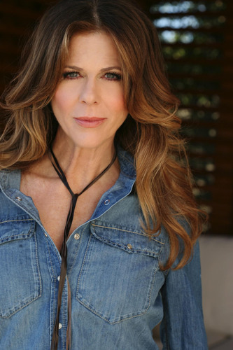 Rita Wilson To Debut Solo Album 'AM/FM', in stores May 8th.  (PRNewsFoto/Decca Label Group)
