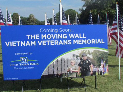 Fifth Third Bank Chicago, presenting sponsor, The Moving Wall Vietnam Veterans Memorial, coming to Aurora, IL in early November.  www.vietnammovingwallaurora.org.  (PRNewsFoto/The Moving Wall Committee)